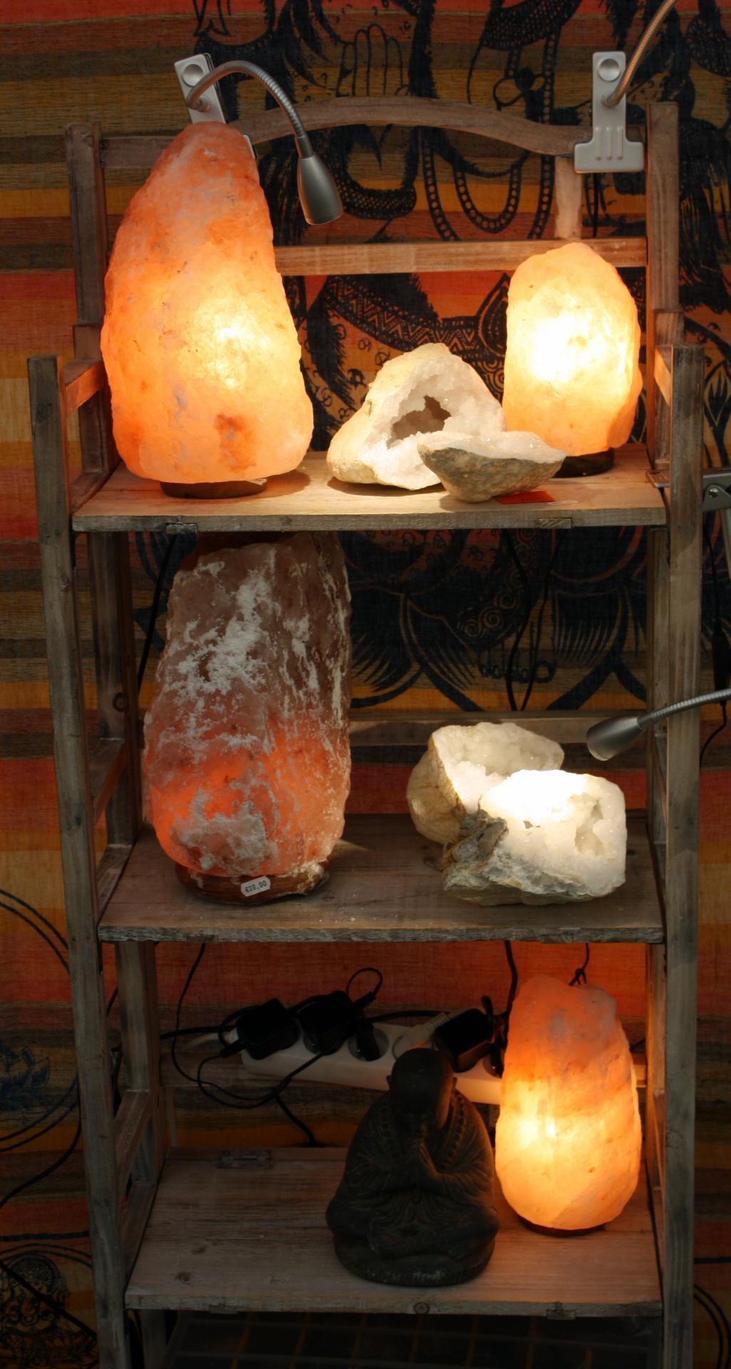Lampes de sel pour votre bien être et géodes de quartz