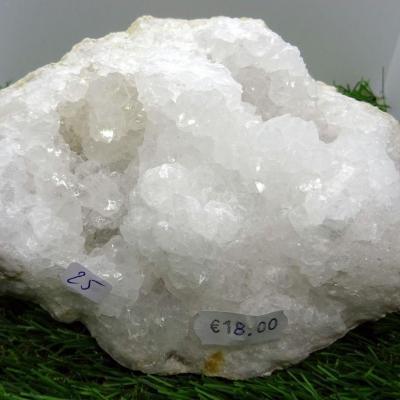 Géode  Cristal de Roche (25 ) 972 g