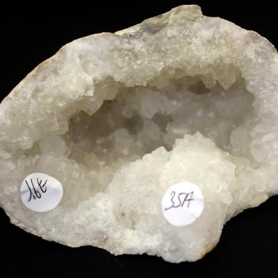 Géode  Cristal de Roche (35A) 581 g