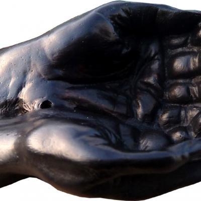 Porte Encens main noire ou crème 7 cm